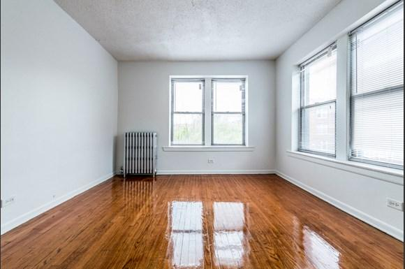 South Shore Apartments for rent in Chicago   6901 S Merrill Bedroom