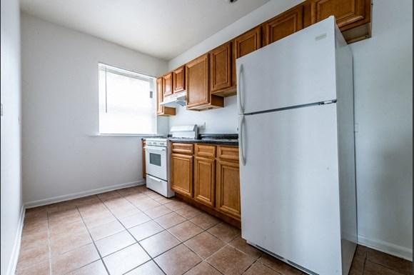 South Shore Apartments for rent in Chicago   6901 S Merrill Kitchen