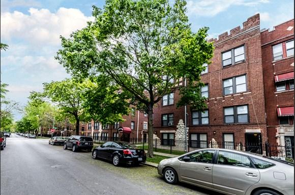 South Shore Apartments for rent in Chicago   6901 S Merrill