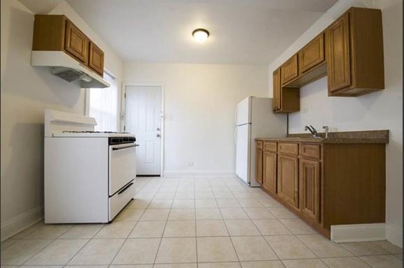 11111 S Vernon Ave Apartments Chicago Kitchen
