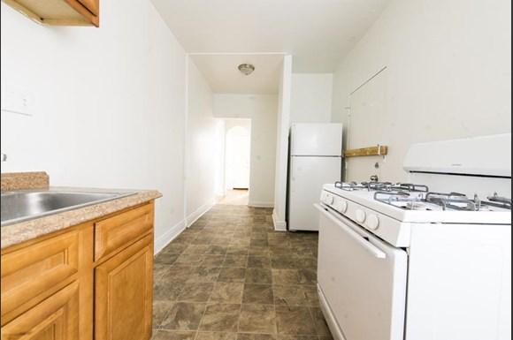 7317 S Chappel Ave Apartments Chicago Kitchen