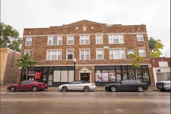 211 E 71st St Apartments Chicago Exterior