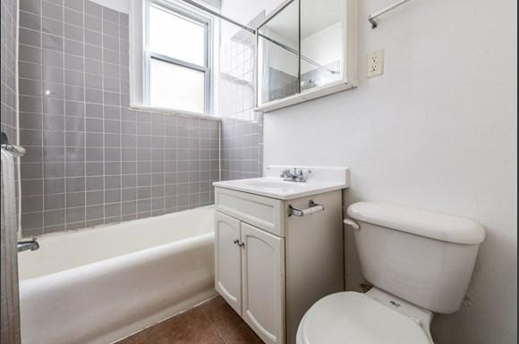 South Shore Apartments for rent in Chicago | 7031 S Chappel Bathroom