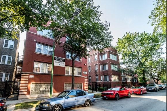 South Shore Apartments for rent in Chicago | 7031 S Chappel