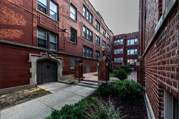 South Shore Apartments for rent in Chicago   7031 S Chappel