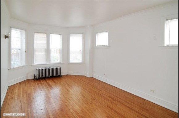 5011 W Maypole Ave Apartments Chicago Living Room