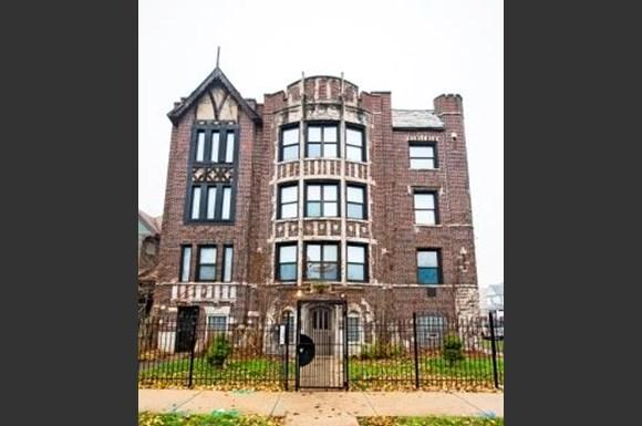 654 N Pine Ave Apartments Chicago Exterior