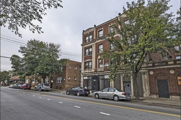 Auburn Gresham Apartments for rent in Chicago   808 W 76th St