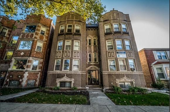 8141 S Kingston Ave Apartments Chicago Exterior