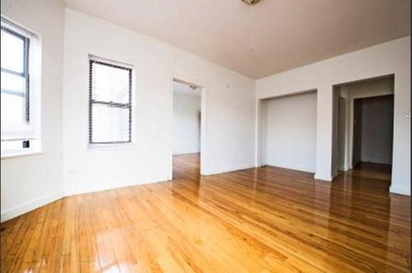 8159 S Drexel Ave Apartments Chicago Living Room