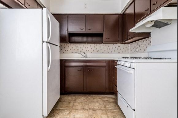 South Shore Apartments for rent in Chicago | 7706 S Saginaw Kitchen