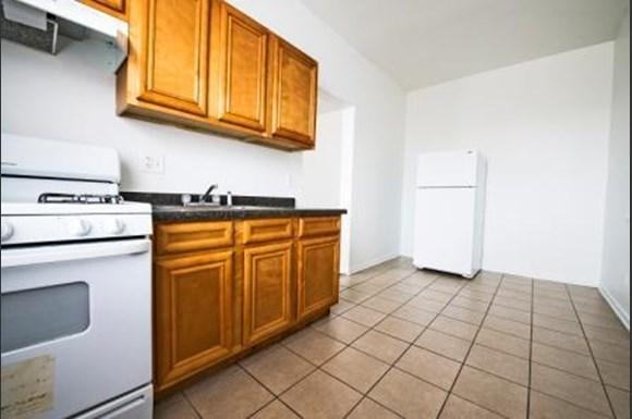 4714 S Michigan Ave Apartments Chicago Kitchen