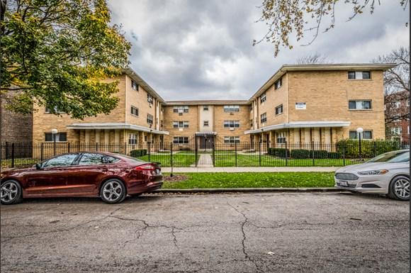 8100 S Drexel Ave Apartments Chicago Exterior