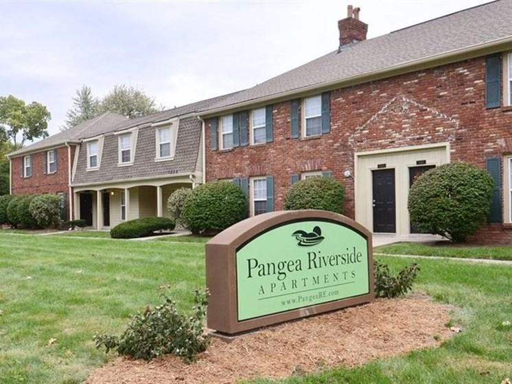 Pangea Riverside Apartments Indianapolis Exterior
