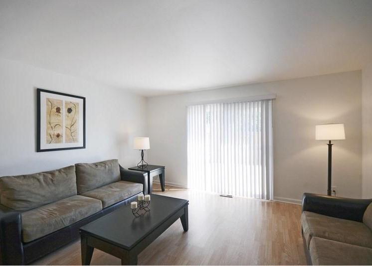 Pangea Riverside Apartments Indianapolis Living Room