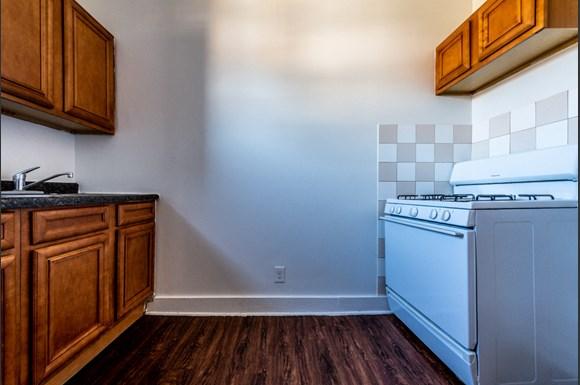 7944 S Paulina St Apartments Chicago Kitchen