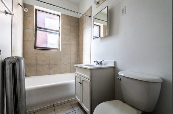 7944 S Paulina St Apartments Chicago Bathroom