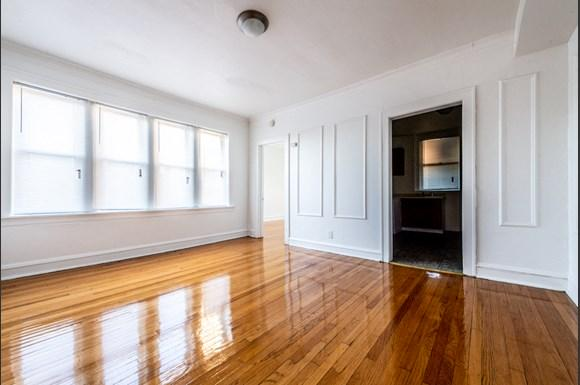 Chicago Apartments for rent in Pullman   10908 S Vernon Dining Room