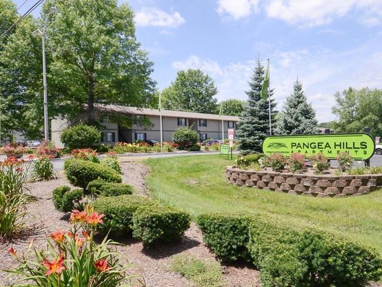 Pangea Hills Apartments Indianapolis Exterior