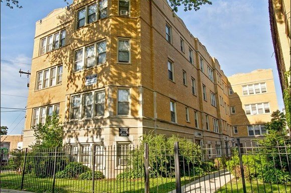 7915 S Hermitage Apartments Chicago Exterior