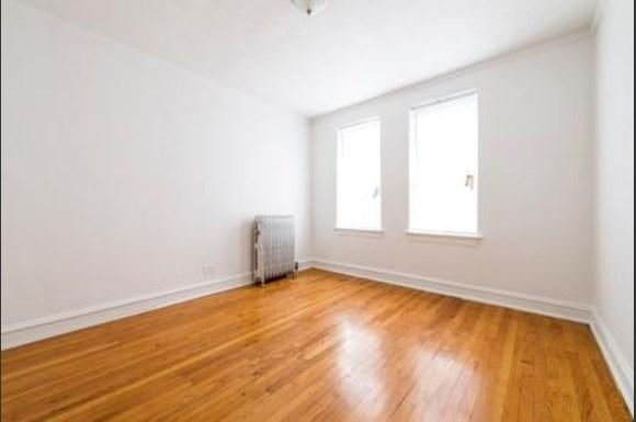 222 E 109th St Apartments Chicago Bedroom