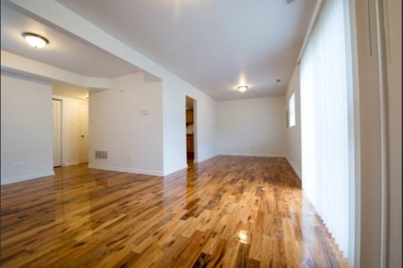 Pangea Lakes 13300 S Indiana Ave Apartments Chicago Living Room