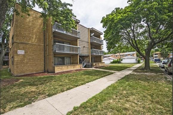 13905 S Clark St Apartments Chicago Exterior