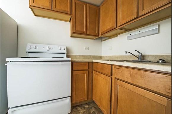 13905 S Clark St Apartments Chicago Kitchen