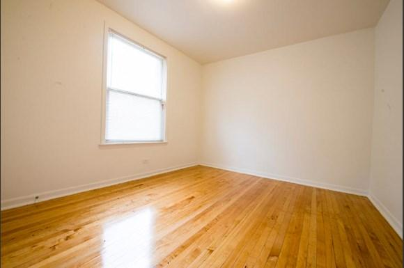 5504 S Wabash Ave Apartments Chicago Bedroom