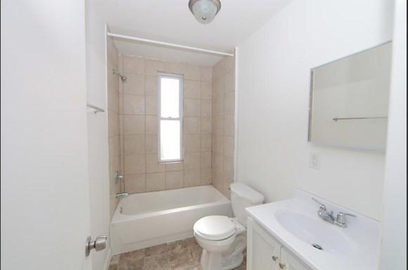 2416 Etting St Apartments Baltimore Bathroom