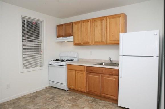 2416 Etting St Apartments Baltimore Kitchen