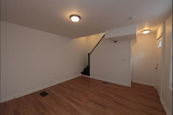 2416 Etting St Apartments Baltimore Living Room