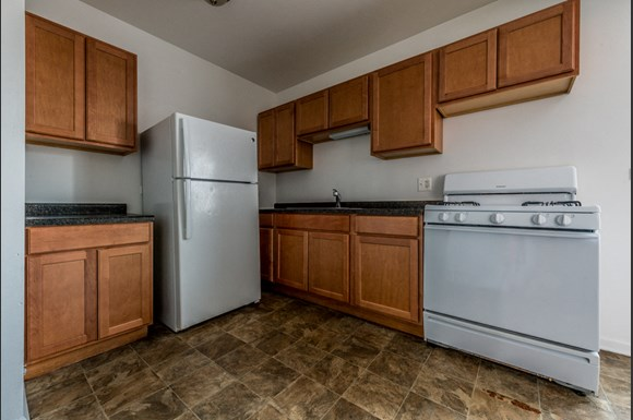 Washington Park Apartments for rent in Chicago   6224 S Martin Luther King Dr Kitchen
