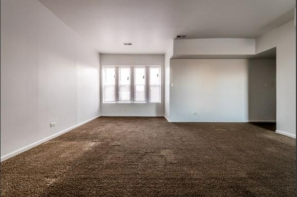 Washington Park Apartments for rent in Chicago | 6224 S Martin Luther King Dr Living Room