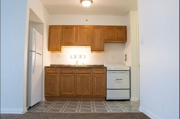 5007 W Jackson Blvd Apartments Chicago Kitchen