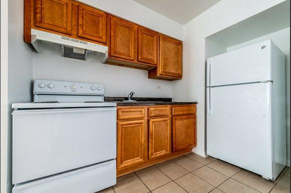 Austin Apartments for rent in Chicago | 5015 W Jackson Blvd Kitchen