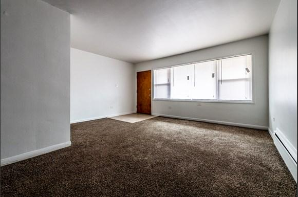 Austin Apartments for rent in Chicago | 5015 W Jackson Blvd Living Room