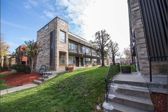 5019 W Jackson Blvd Apartments Chicago Exterior