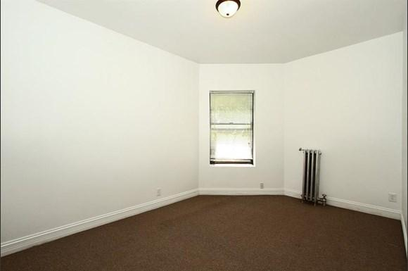 7800 S Michigan Ave Apartments Chicago Bedroom