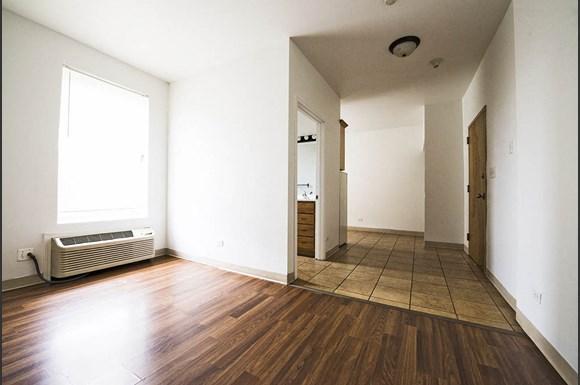 4114 W Washington Blvd Apartments Chicago Living Room