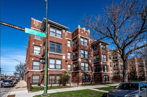 5854 S Michigan Ave Apartments Chicago Exterior