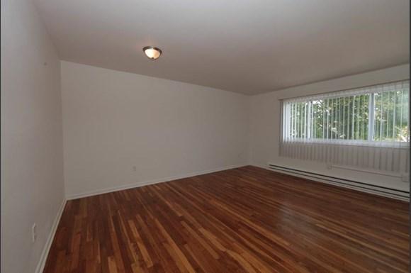 2601 Garrison Blvd Apartments Baltimore Living Room