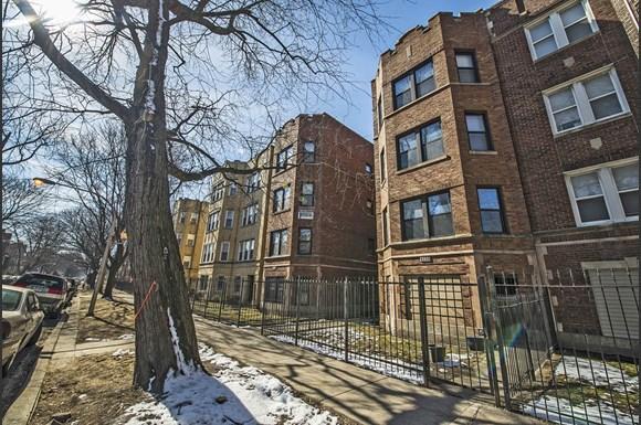 8208 S Drexel Ave Apartments Chicago Exterior