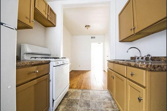 8208 S Drexel Ave Apartments Chicago Kitchen