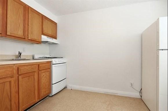 2601 Fairview Ave Apartments Baltimore Kitchen