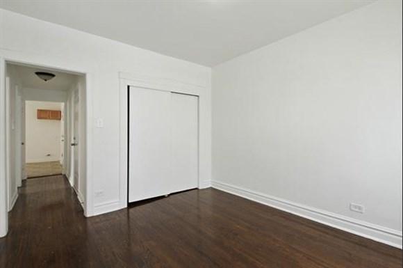 8256 S Loomis Apartments Chicago Bedroom