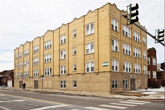 8256 S Loomis Apartments Chicago Exterior