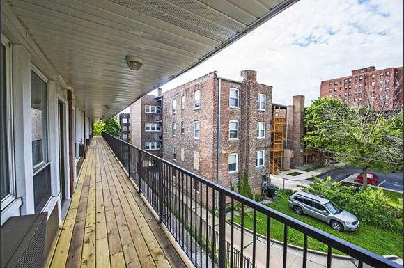 6832 S Crandon Ave Apartments Chicago Exterior