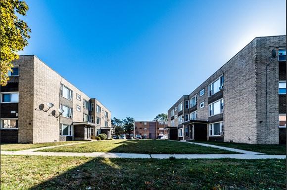 14127 S School St Apartments Chicago Exterior
