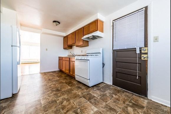 14127 S School St Apartments Chicago Kitchen
